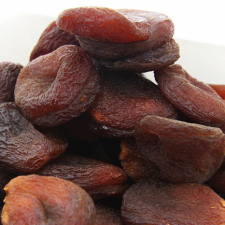 Apricots, large dried fruits in their natural state