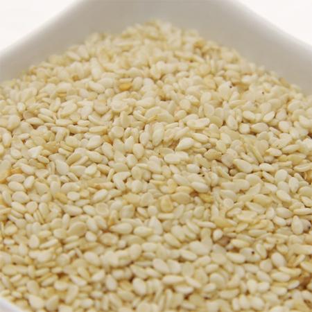 Sesamsaat, geschält, ganz, aus kontrolliertem Anbau