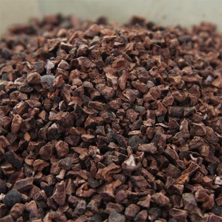 Kakaobruch, geröstet, geschnitten